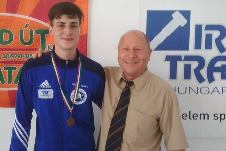 Bende Bence edzőjével, Patócs Zsolttal Fotó: Vívóakadémia