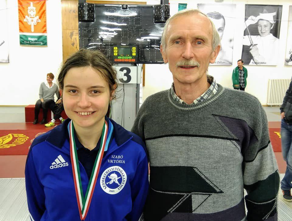 Szabó Viktória új edzőjével, Fatalin Károllyal Fotó: Vívóakadémia